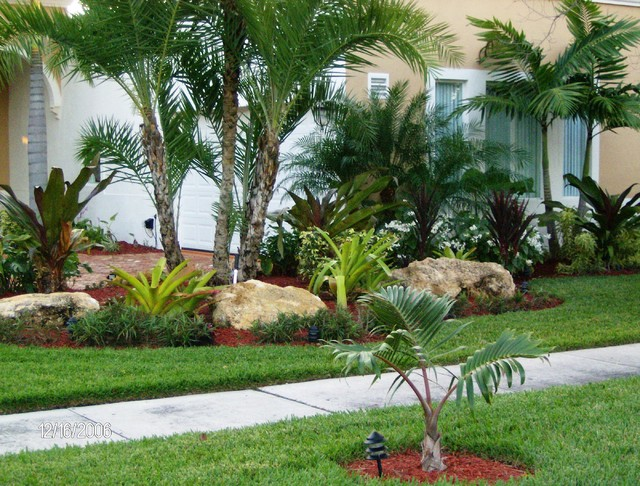 Small Front Yard Design 4