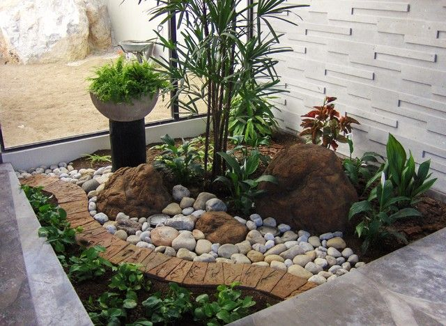 Small front yard landscape design for Small garden design ideas with lawn