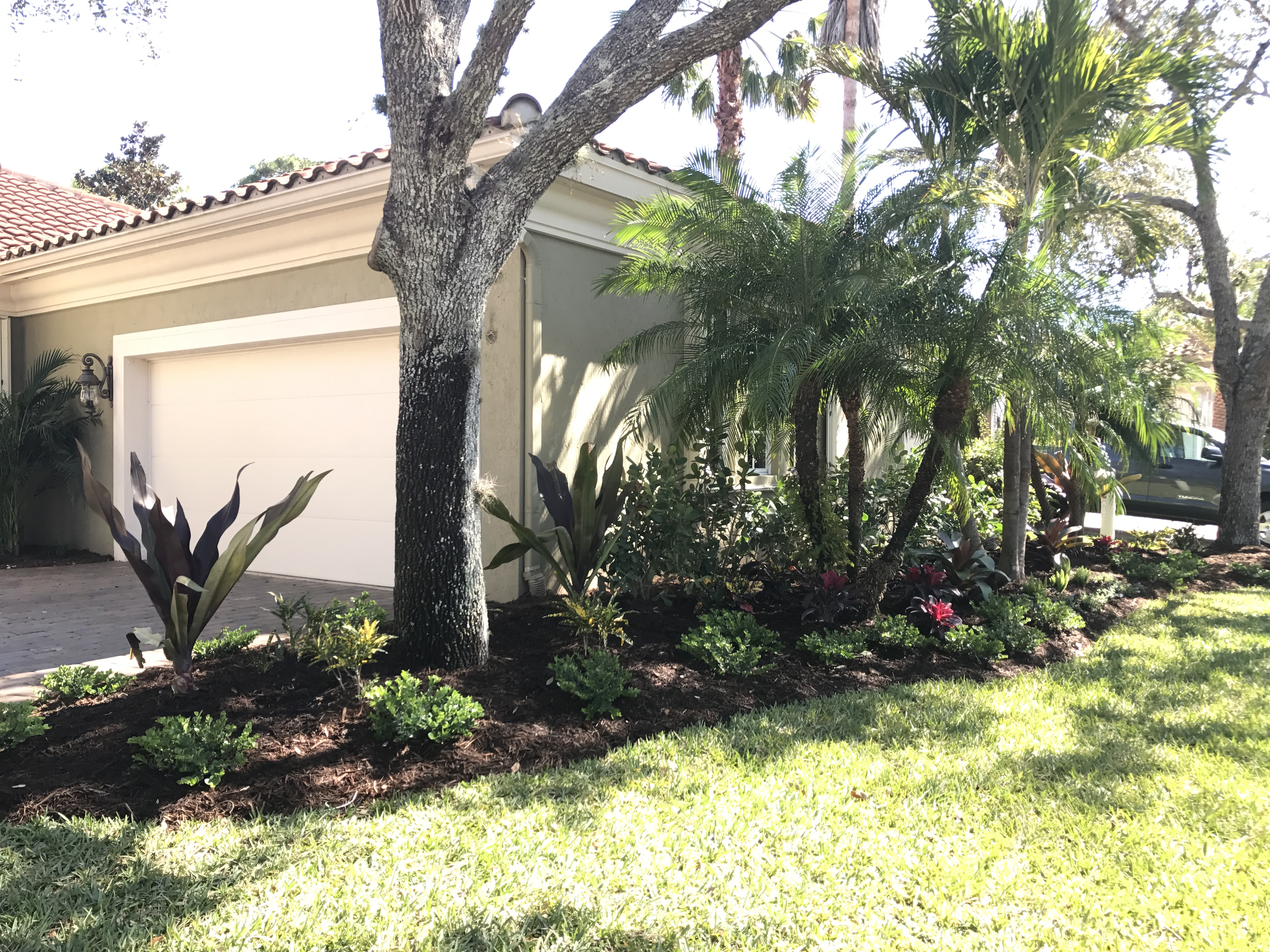 u00bb Tropical Landscaping for Golf Course Home