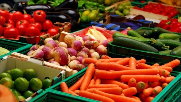 Vegetable-Gardening-EileenGDesigns